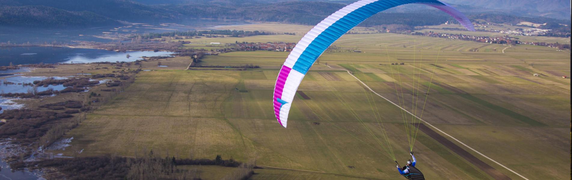 Queen 2 evo de TripleSeven Paragliders